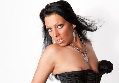 SexyNaisha: Hallo mein Schöner ! Mein Name ist SexyNaisha, ein Traum von einer heissen Frau. Mich wirst Du immer scharf erleben. Ich liebe Sex und genie...