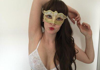 Live Cam Sex mit PrettyGiny im Chat